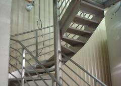 - Escalier quart tournant cuverie inox