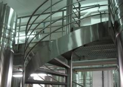 - Escalier colimaçon cuverie inox